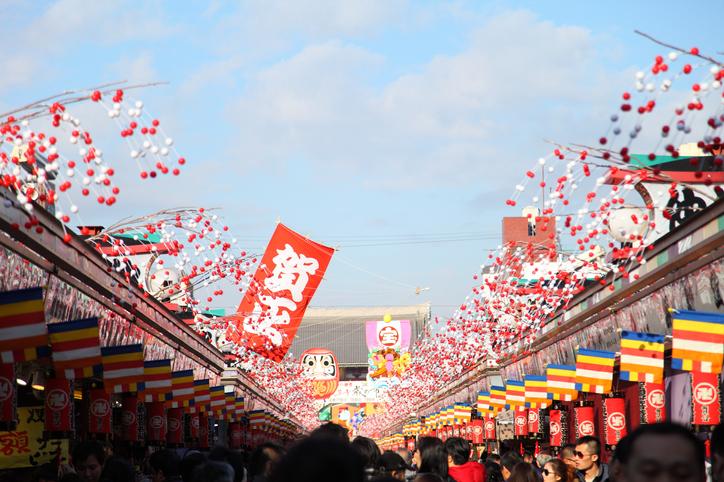 初詣は神社でもお寺でもOK!(写真:iStock)