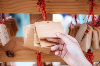 初詣は神社とお寺どっちが良いの? ご利益アップの方法♪