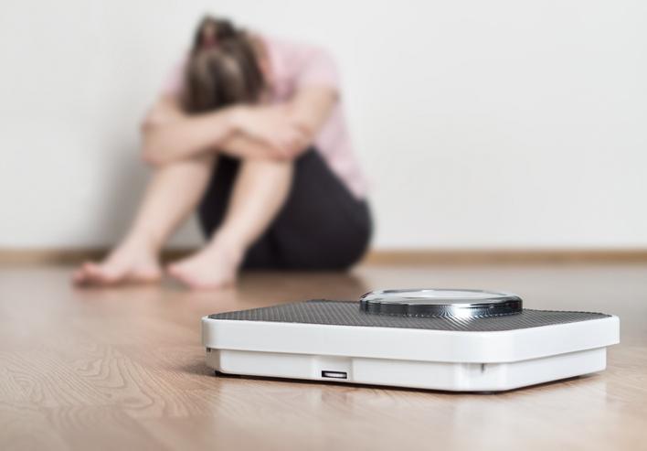 太ってしまったことが、さらなるストレスに…(写真:iStock)