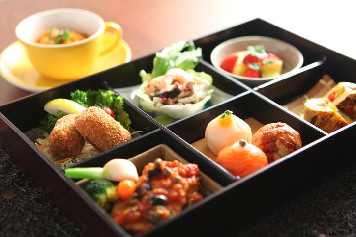 便利な宅食サービスを上手に活用(写真:iStock)