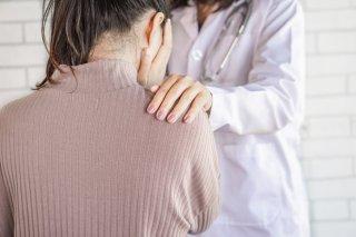 """蕁麻疹と息苦しさで救急搬送…医者に見逃された""""薬の副作用"""""""