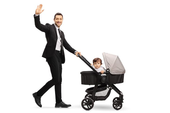 パパも積極的に育児に参加(写真:iStock)