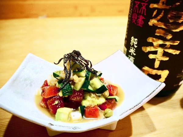 合う酒=辛口の日本酒(C)コクハク