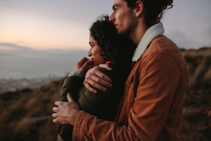 愛情を確認したいのかも(写真:iStock)