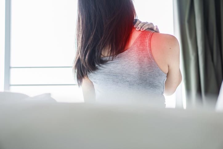 両肩がガチガチに硬い(写真:iStock)