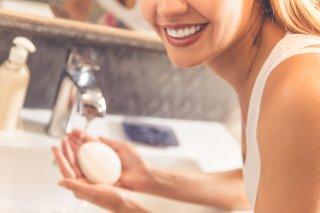 洗顔ブラシで毛穴レスに♪ 嬉しい3つの効果&正しい使い方