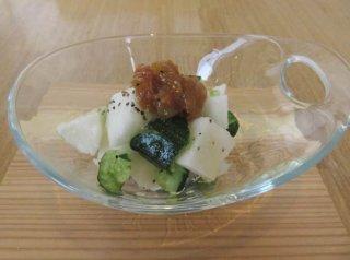 ちょこっと洋風に「南高梅と北海道産長芋のたたきサラダ」