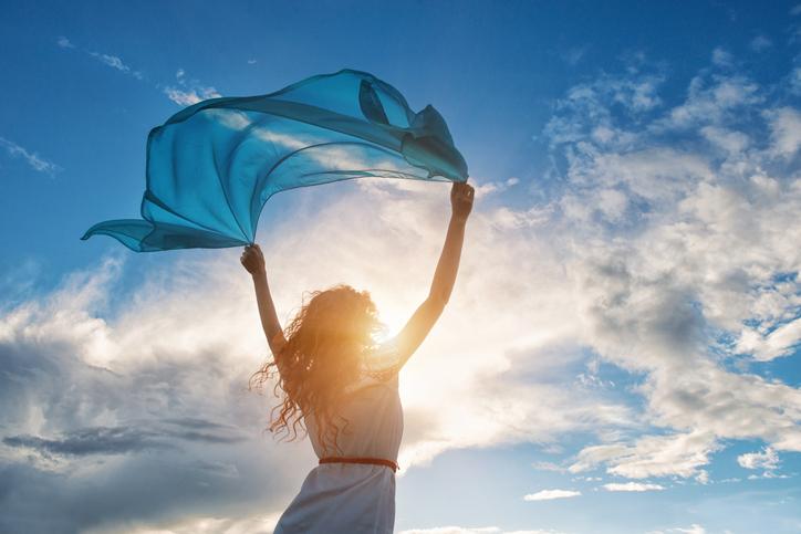 恋することで新しい自分の魅力に気づくかも(写真:iStock)
