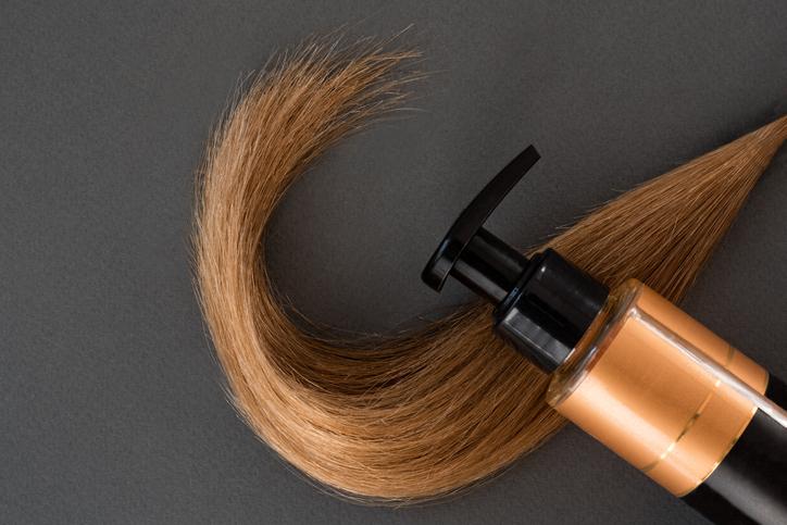 髪の滑りを整えてくれる鉱物性(写真:iStock)