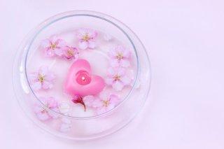初デートで使える「記憶に残る女」になれる香りの小ワザ3選
