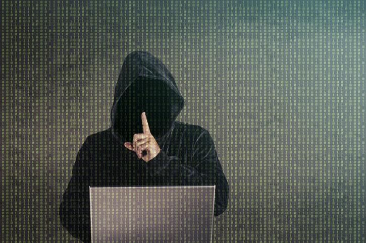 嘘をついて登録している人も(写真:iStock)