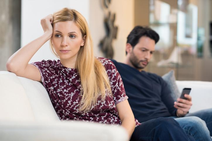 平日昼間に夫がいるストレスは計り知れない(写真:iStock)
