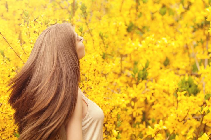 ヘッドスパで美髪に(写真:iStock)