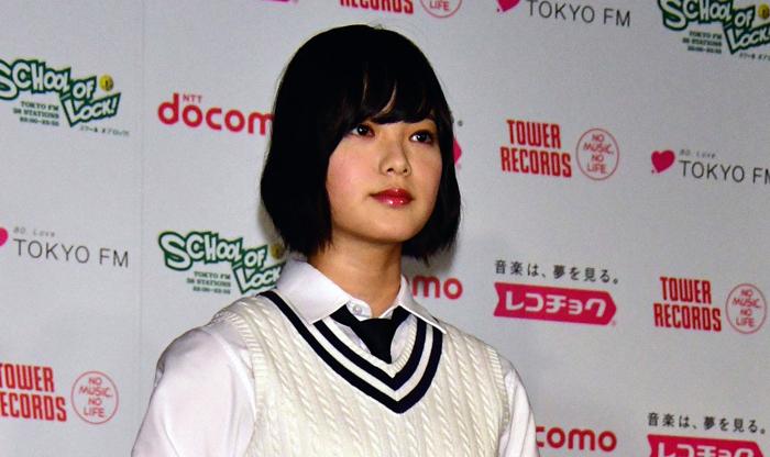ラジオでは最もリラックスした素顔を欅坂46時代からみせてきた平手(C)日刊ゲンダイ