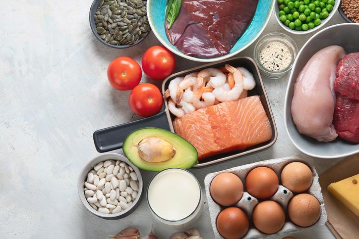 栄養バランスは爪にも影響(写真:iStock)