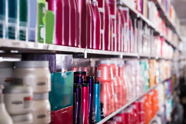 界面活性剤入りの洗浄料が有効とのこと(写真:iStock)