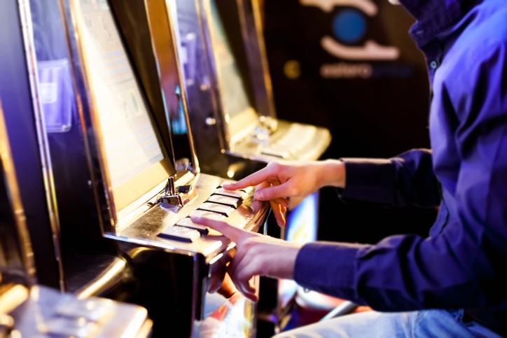 ギャンブル好きには要注意かも(写真:iStock)