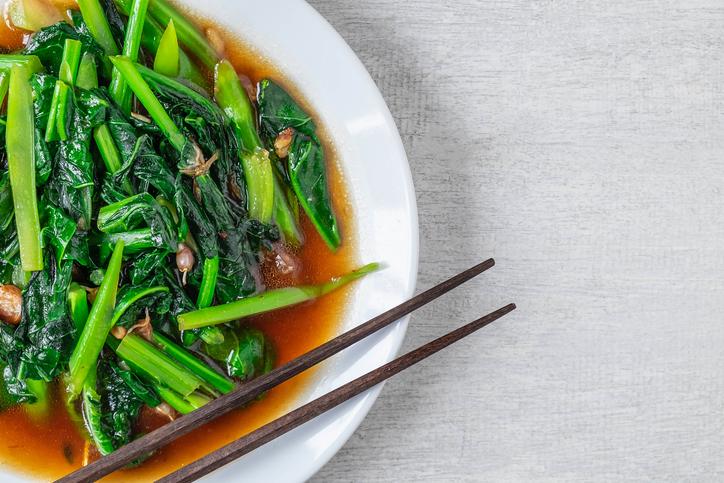いつもの野菜炒めが中華風に!(写真:iStock)