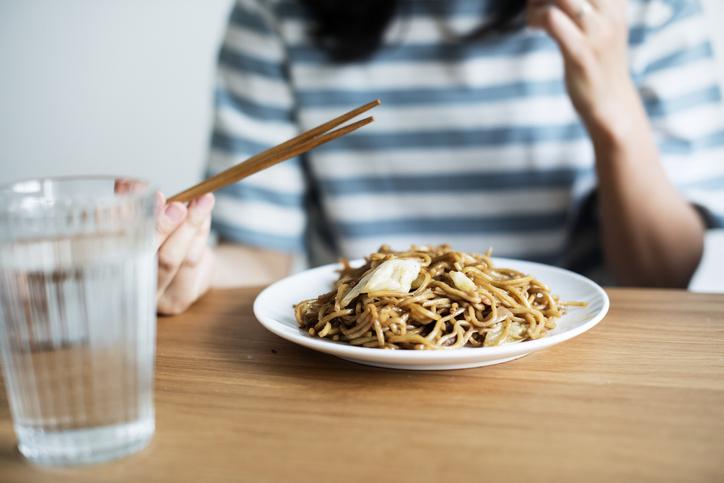 しっかり食べればおやつはいらない(写真:iStock)