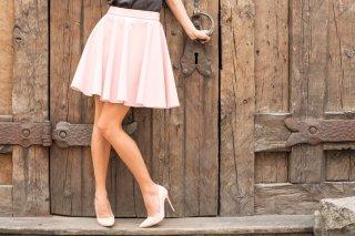 ミニスカートは何歳まで?大人女性が可愛く着こなすコツ♡