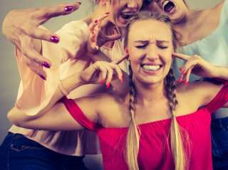 「友達をやめたい」と思わせる人の7つの特徴&上手な対処法