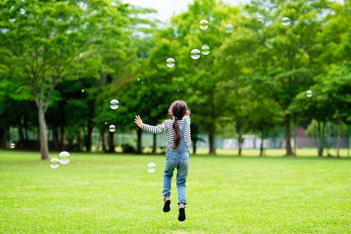 子どもにとっては毎日が新しい(写真:iStock)