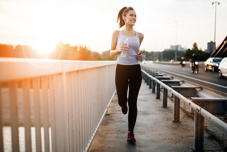 短時間のランニングを習慣に(写真:iStock)