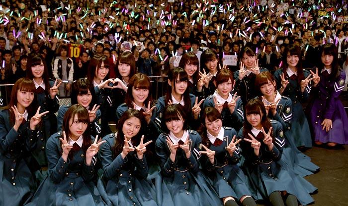 握手会を行うことで大ヒットを連発してきたAKB48、乃木坂46、欅坂46(写真)ら秋元系アイドル。コロナ禍の苦境を乗り切る秘策は…/(C)日刊ゲンダイ
