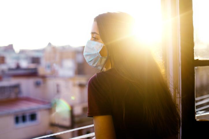 マスク焼けはなぜ起きる?(写真:iStock)