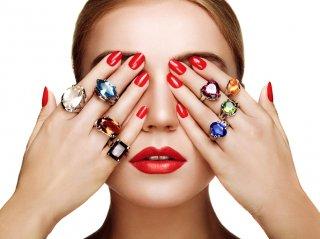 指輪をつける位置には意味がある♡今の自分に合う指はどれ?