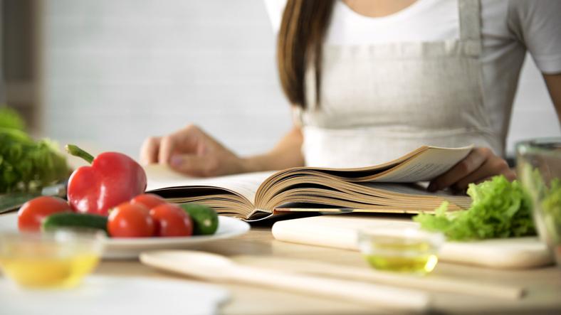 キッチンに立つこと自体が苦痛(写真:iStock)