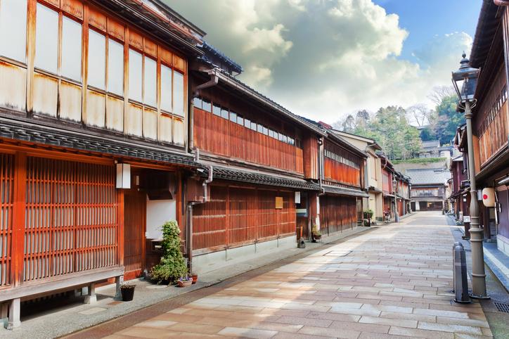 雰囲気ある金沢の町並み(写真:iStock)