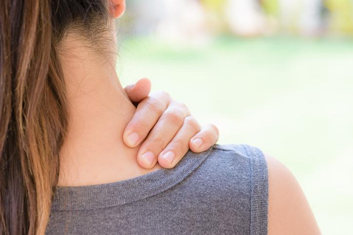 首の傷も気にならなくなってきた(写真:iStock)