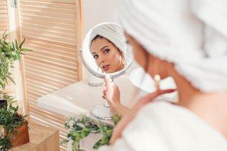 洗顔後タオルでゴシゴシはNG?ティッシュ拭き取りで美肌に♪
