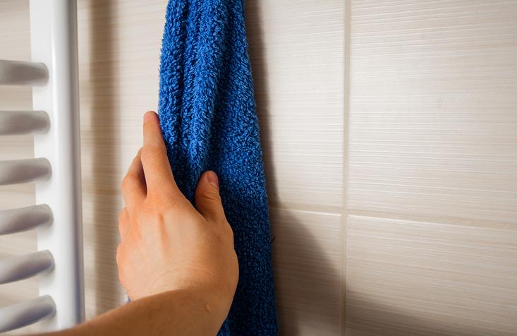 タオルに残った洗剤でトラブルを招いてるかも(写真:iStock)