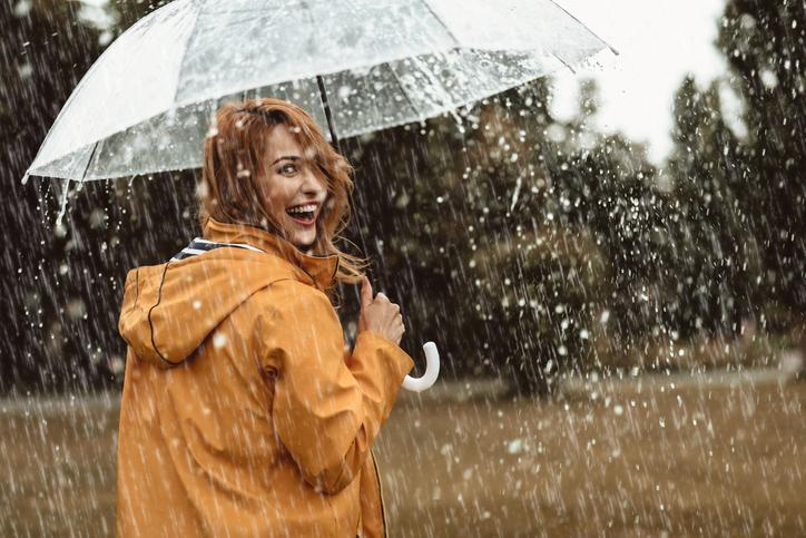 どんな時でも笑顔を絶やさない(写真:iStock)