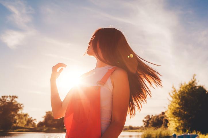 きちんと対策して美髪をキープ!(写真:iStock)