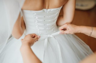 """結婚前に不安がよぎりスマホを…第六感で暴かれた""""彼の秘密"""""""