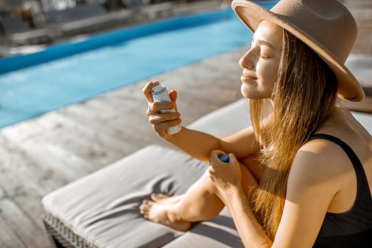 「ミスト」は夏のマストアイテム(写真:iStock)