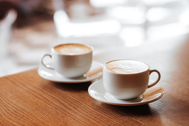 お茶くらい付き合うべきでは?(写真:iStock)