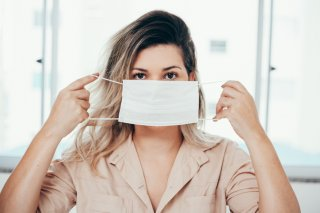 マスクでたるみ&老け顔が加速…3つの撃退方法で対策を!