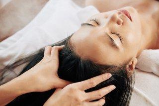 大人女性必見♡ 簡単で正しい頭皮ケアの方法&NG行動も
