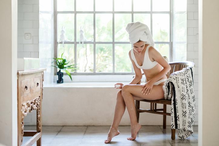 お風呂上がりのタイミングがベスト(写真:iStock)