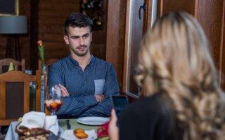 恋人は13歳下…彼女のわがままな態度に頭を抱える男性の主張
