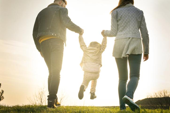 子どもにも同じように愛情を注げるか(写真:iStock)