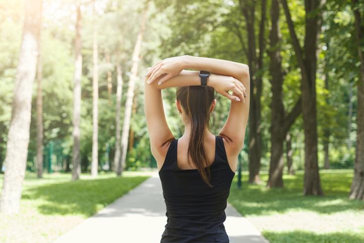 体幹を鍛えれば姿勢も良くなる(写真:iStock)