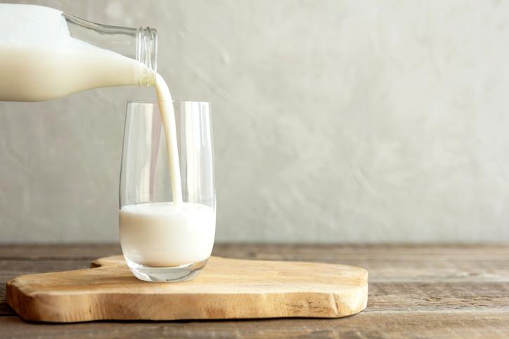 もっと牛乳飲んでおけばよかった(写真:iStock)