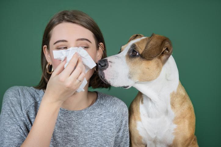 花粉症の季節の対策は?(写真:iStock)