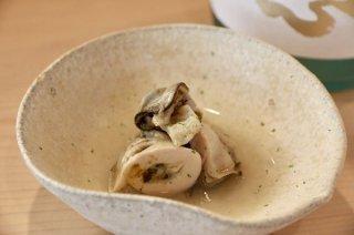 和食の基本と潔さ 手間をかけただけおいしくなる「煮ガキ」