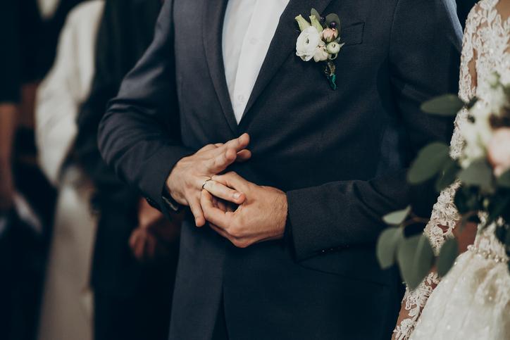 お見合いで出会って結婚(写真:iStock)